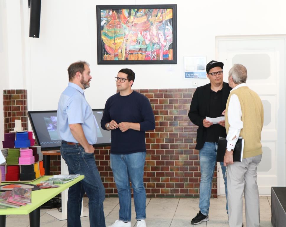 Triple Z Hauptversammlung 2019 Gespräche am Infostand